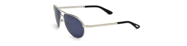 Il s agit d une lunette aviateur classique revisitée dans un esprit  d élégance légèrement sophistiquée. À l image de James Bond, en somme. 972065797f86
